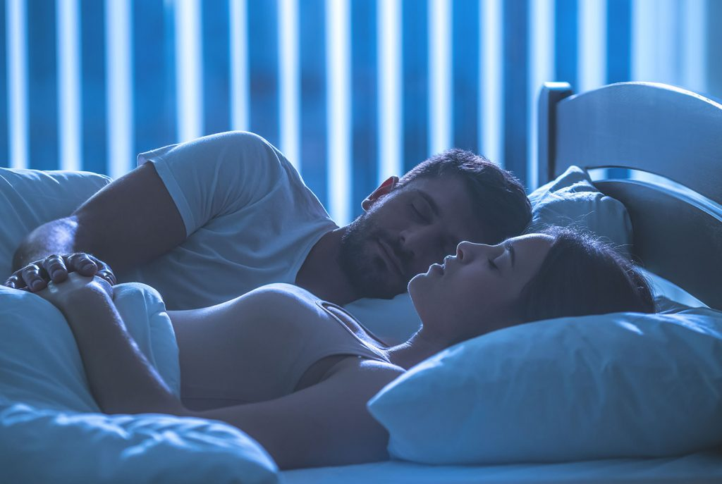 Couple-Sleeping-1024x687